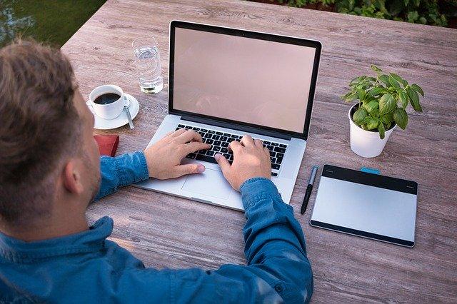 Produktiv im Homeoffice: 10 praktische Tipps für effektivere Arbeit von Zuhause